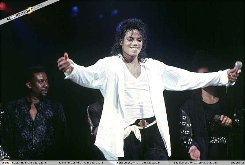 Bad World Tour Onstage- Man In The Mirror 00967