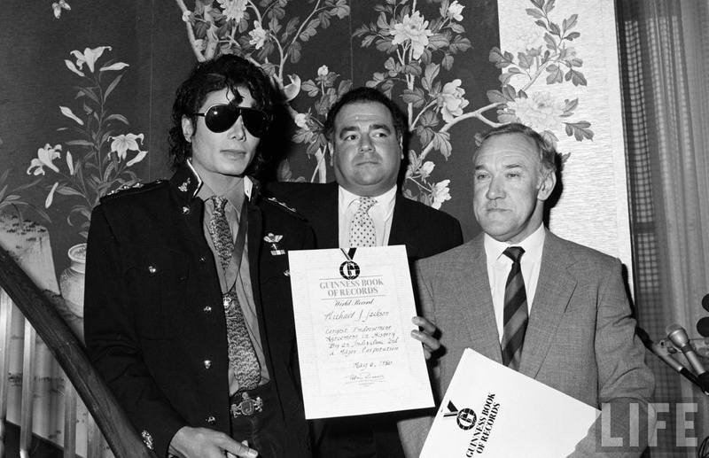 1986- Guinness Book Of World Records May 6, 1986 01033