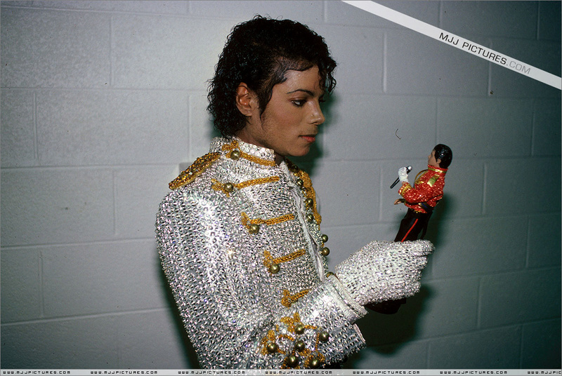 Victory Tour Backstage 01040