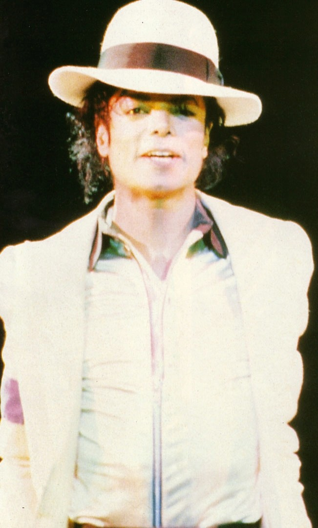 Bad World Tour Onstage- Smooth Criminal 01064