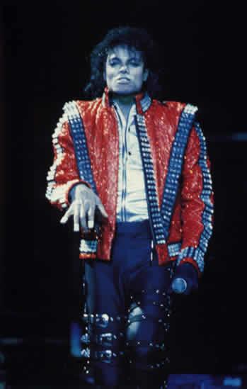 Bad World Tour Onstage- Thriller 01066