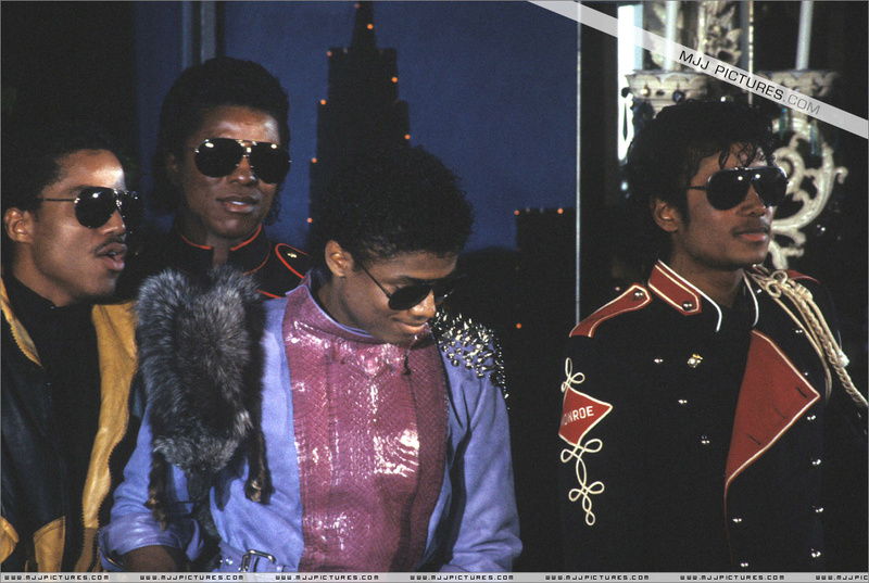 1983- Victory Tour Press Conference 01120