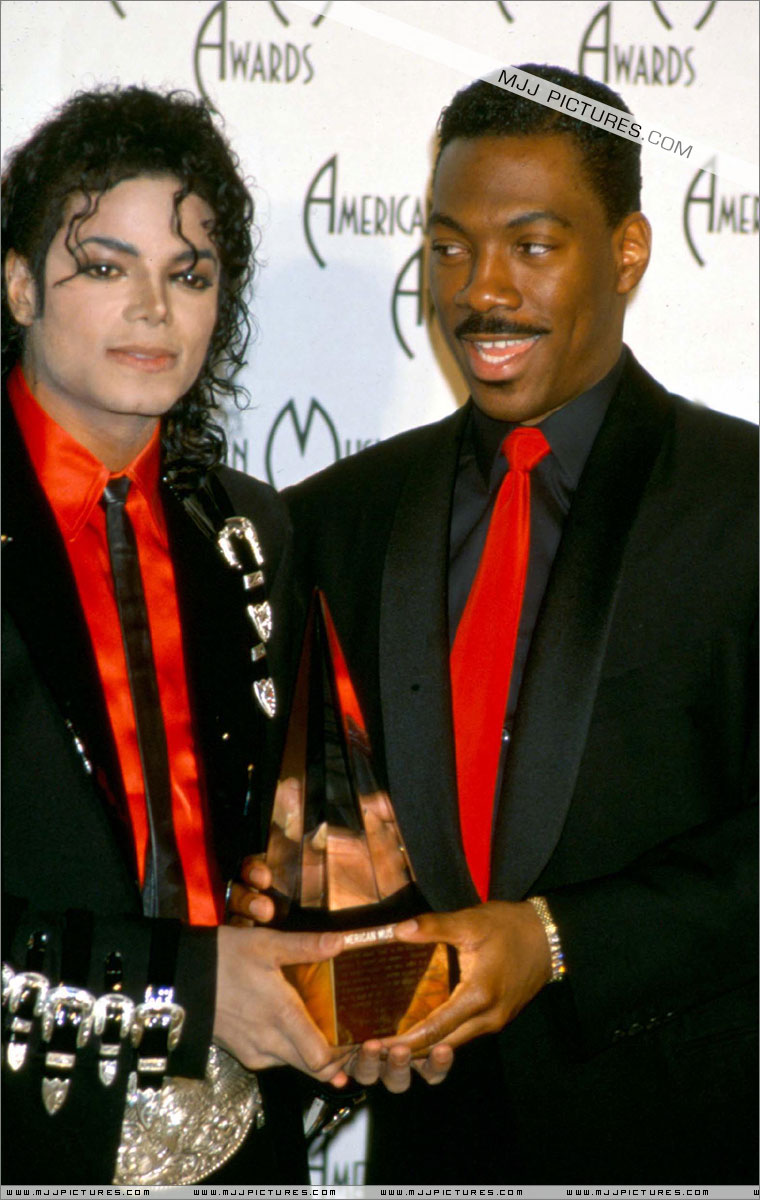 1989- The 16th American Music Awards 01150
