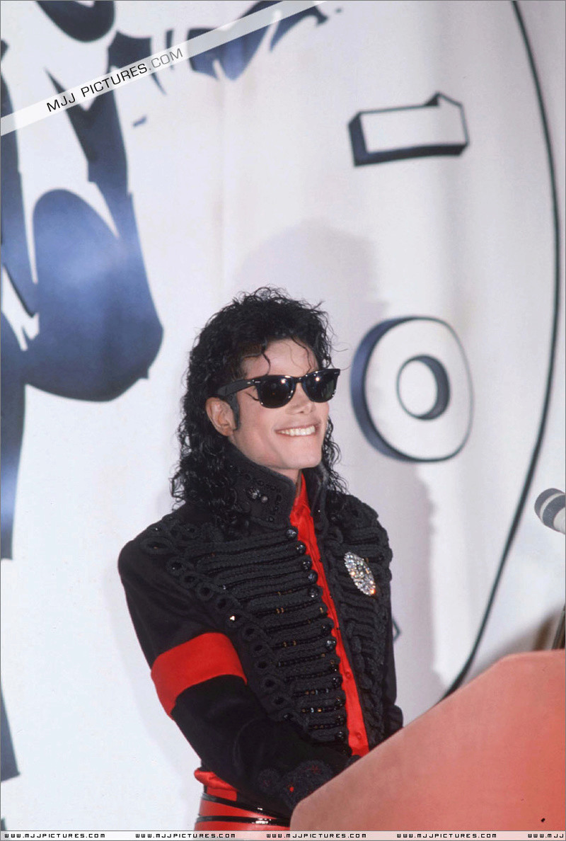 1990- CBS Records Top Selling Artist Of The Decade 01152