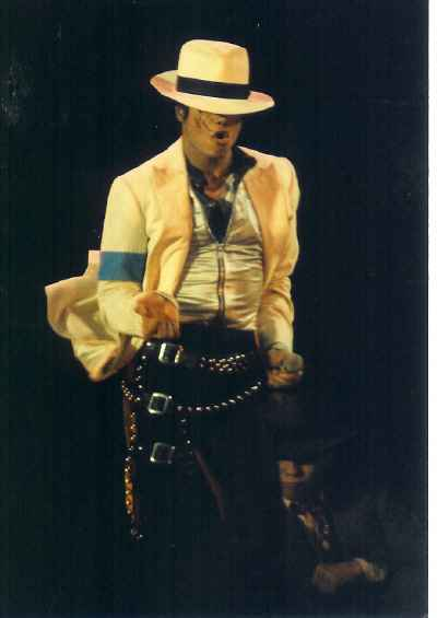 Bad World Tour Onstage- Smooth Criminal 01160