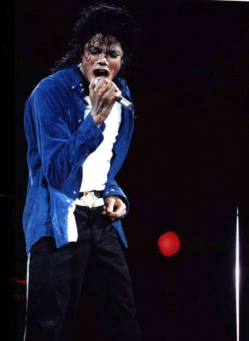 Bad World Tour Onstage- The Way You Make Me Feel 01161