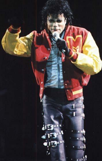 Bad World Tour Onstage- Thriller 01162