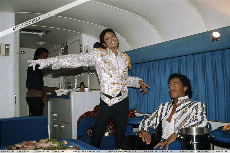 Victory Tour Backstage 01235
