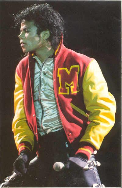 Bad World Tour Onstage- Thriller 01257