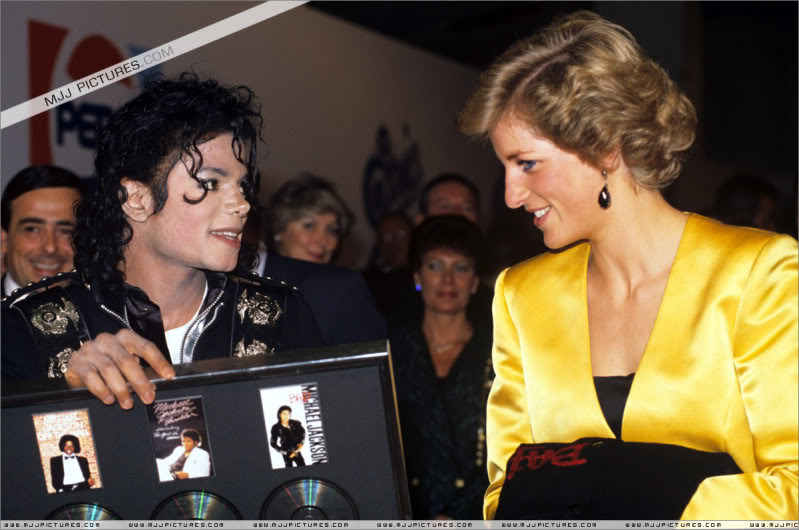 Bad World Tour Offstage 1988- Meeting Princess Diana & Prince Charles 013-4611