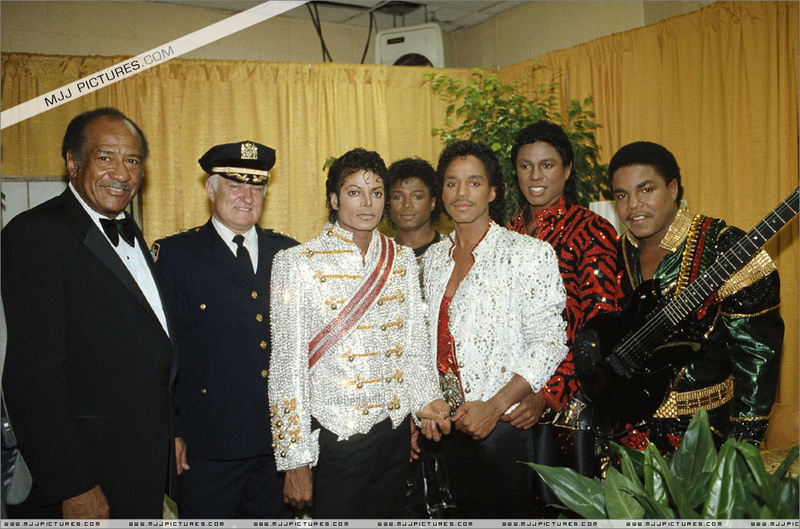 Victory Tour Backstage 01332