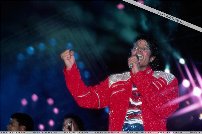 Victory Tour 01333