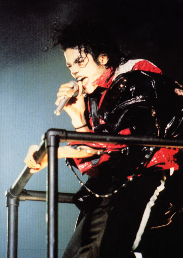 Bad World Tour Onstage- Beat It 01349