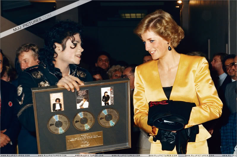 Bad World Tour Offstage 1988- Meeting Princess Diana & Prince Charles 014-4611