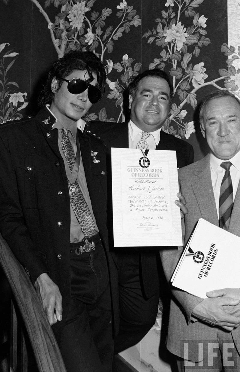 1986- Guinness Book Of World Records May 6, 1986 01427