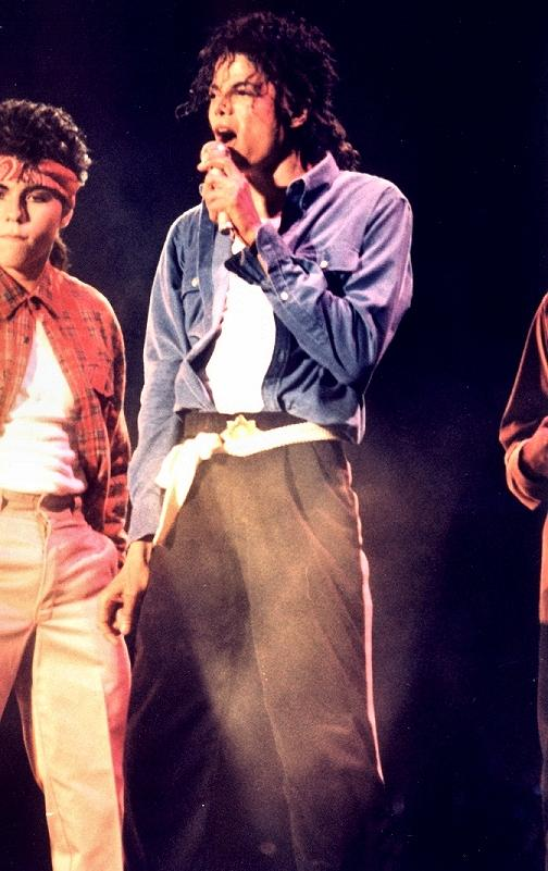 Bad World Tour Onstage- The Way You Make Me Feel 01454