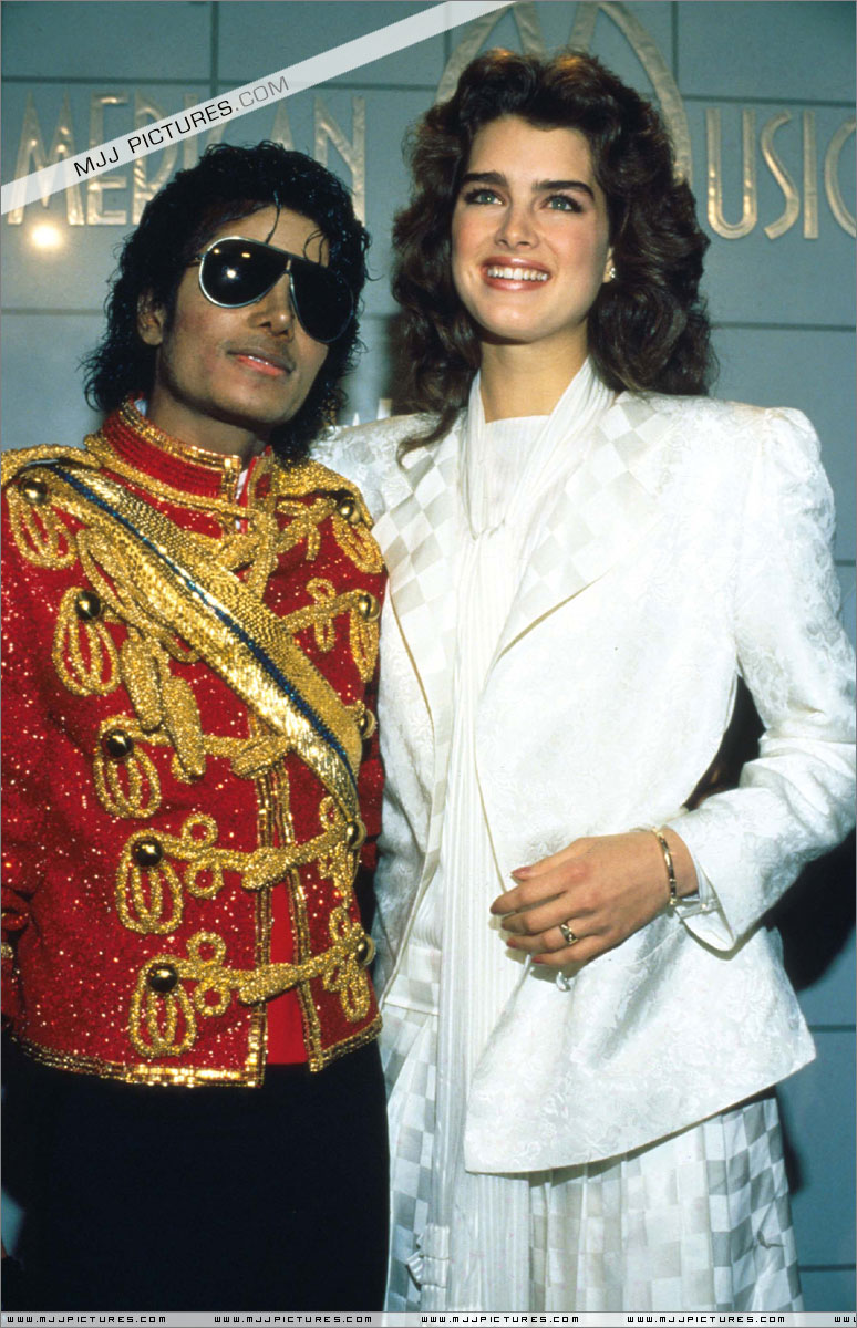 1984- The 11th American Music Awards 01522