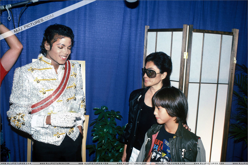 Victory Tour Backstage 01533