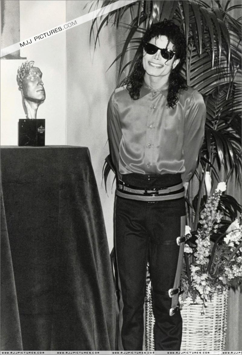 1990- The BMI Michael Jackson Award 01549