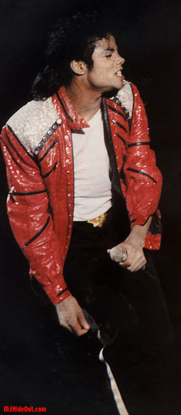 Bad World Tour Onstage- Beat It 01551