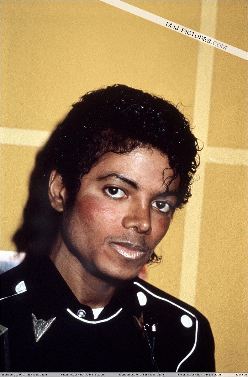 1983- Platinium Certification for Thriller 01621