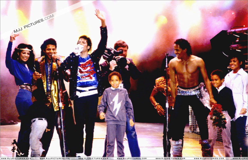 Victory Tour 01637