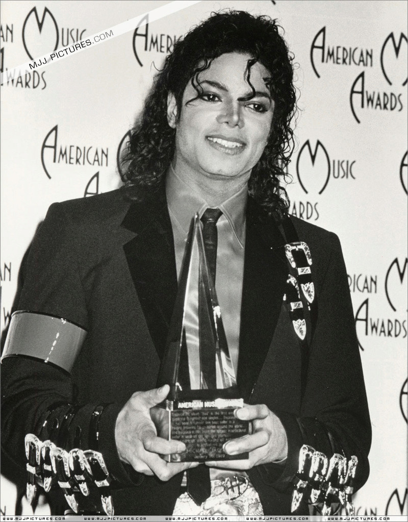 1989- The 16th American Music Awards 01644