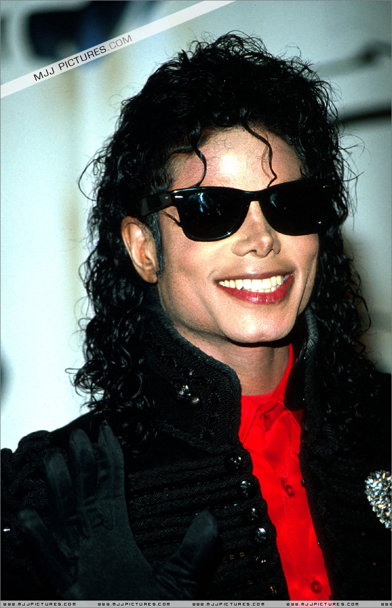 1990- CBS Records Top Selling Artist Of The Decade 01741