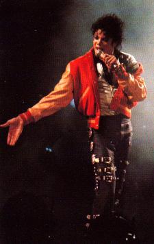 Bad World Tour Onstage- Thriller 01748
