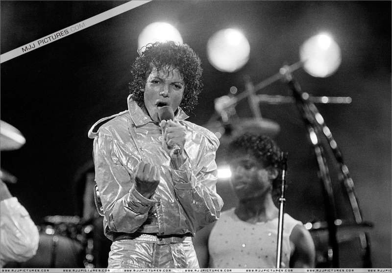 Victory Tour 01834