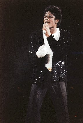 Bad World Tour Onstage- Billie Jean - Shake Your Body (Down To The Ground) 01846