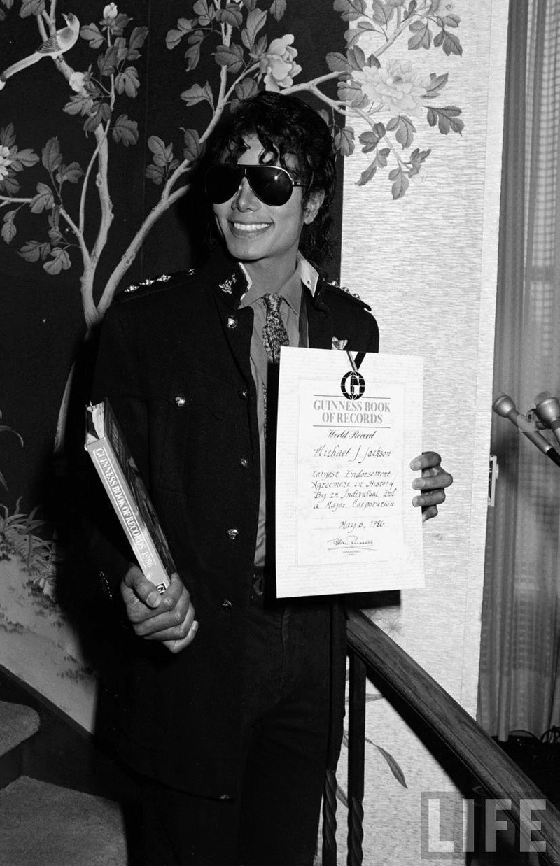 1986- Guinness Book Of World Records May 6, 1986 01926