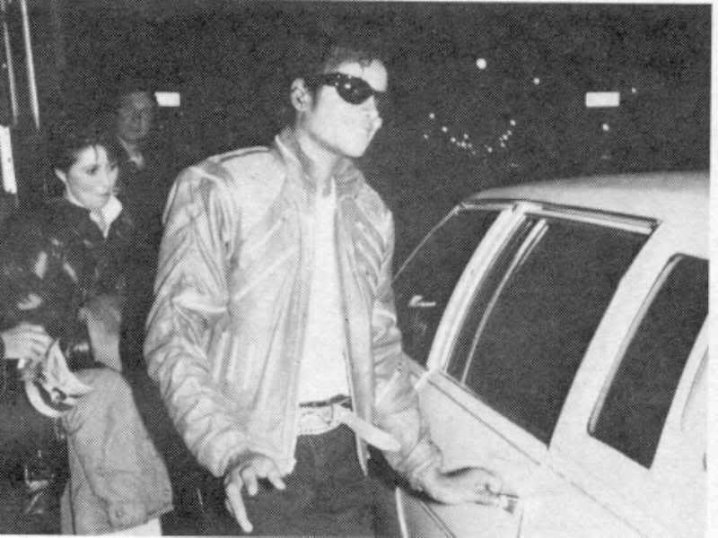 Beat It Music Video 020-2310