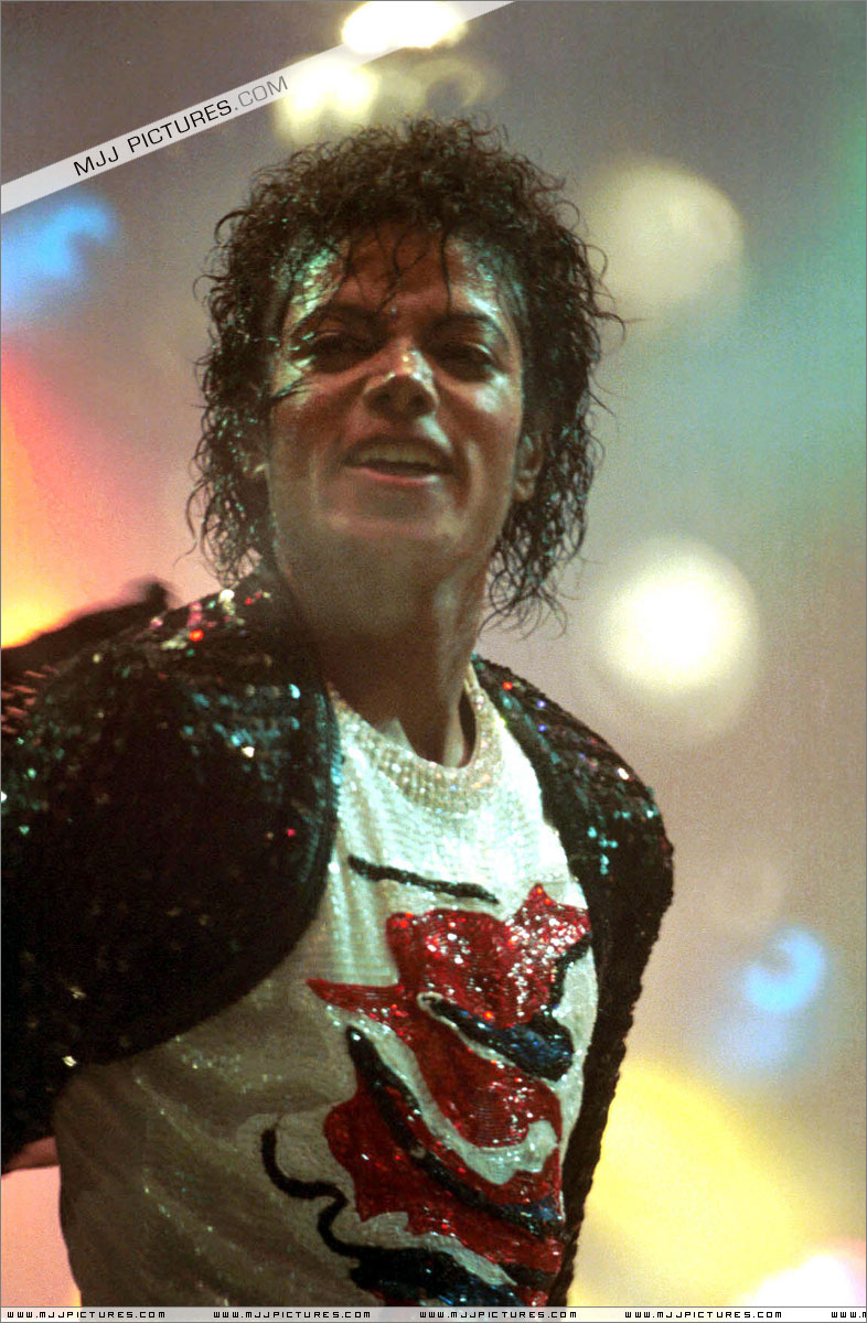 Victory Tour 02034