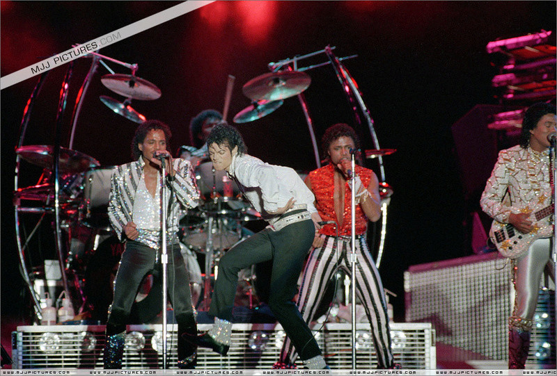 Victory Tour 02036