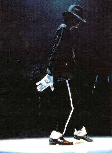 Bad World Tour Onstage- Billie Jean - Shake Your Body (Down To The Ground) 02048