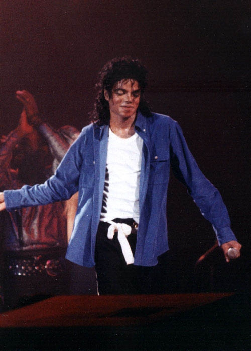 Bad World Tour Onstage- The Way You Make Me Feel 02049