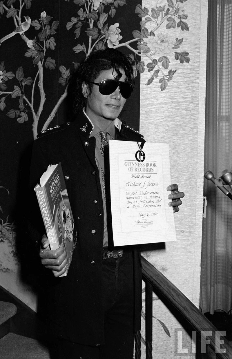 1986- Guinness Book Of World Records May 6, 1986 02125