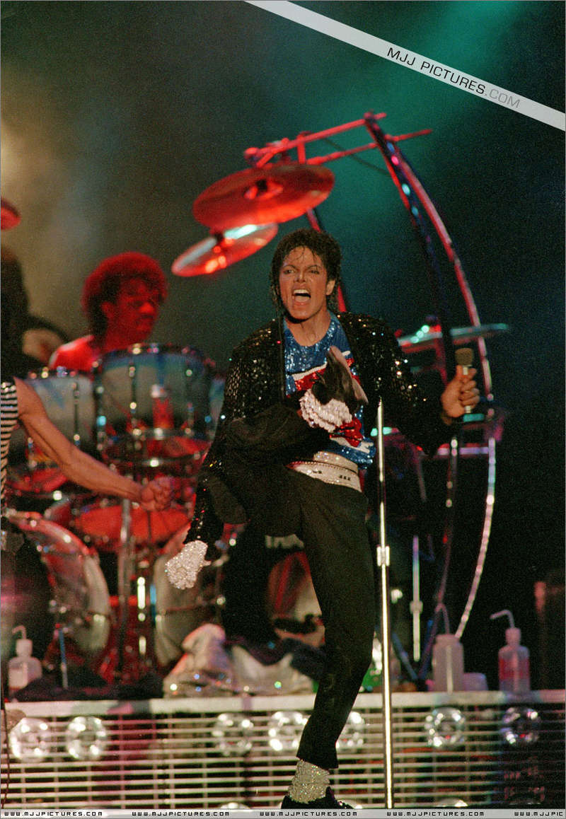 Victory Tour 02131