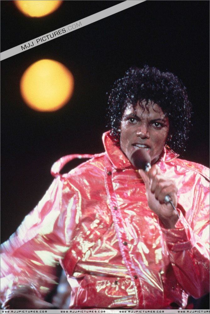 Victory Tour 02523