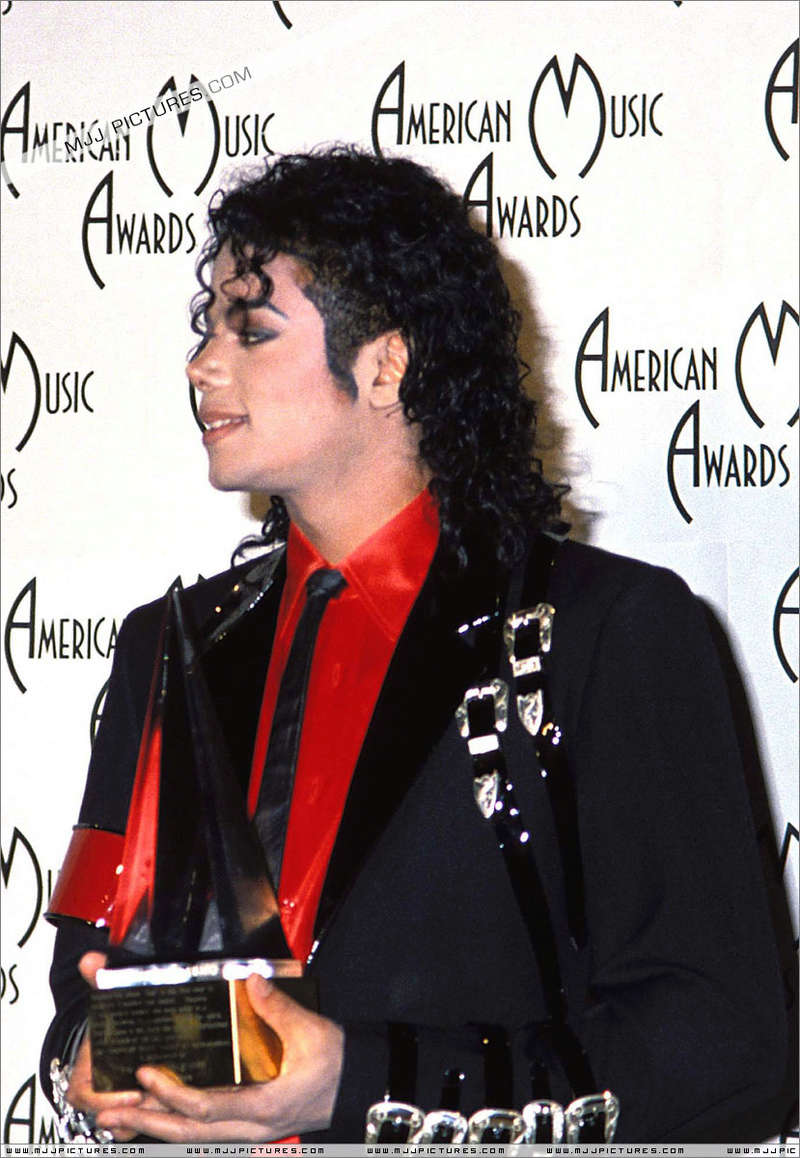 1989- The 16th American Music Awards 02629