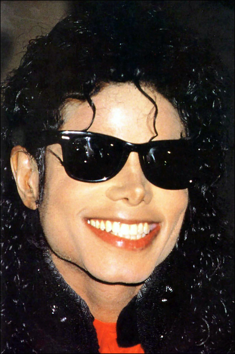 1990- CBS Records Top Selling Artist Of The Decade 02631