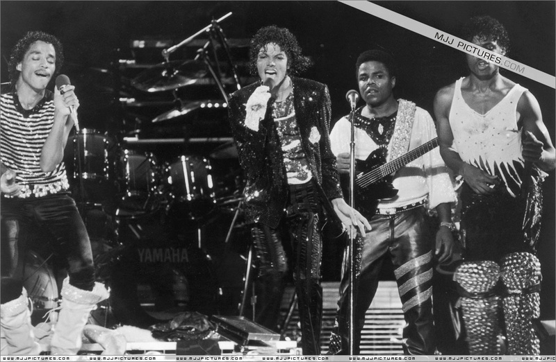 Victory Tour 02724