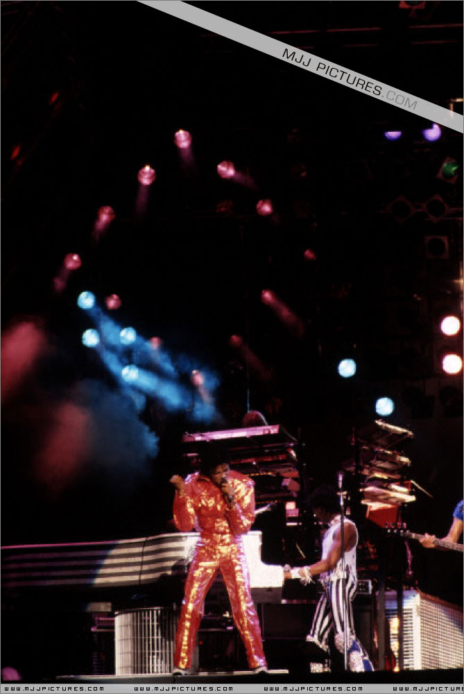 Victory Tour 02822