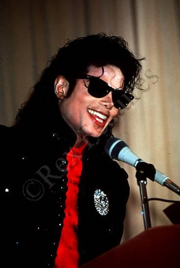 1990- CBS Records Top Selling Artist Of The Decade 02829