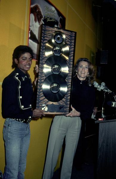 1983- Platinium Certification for Thriller 03013