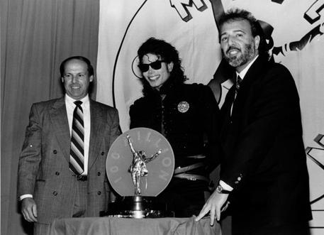 1990- CBS Records Top Selling Artist Of The Decade 03028