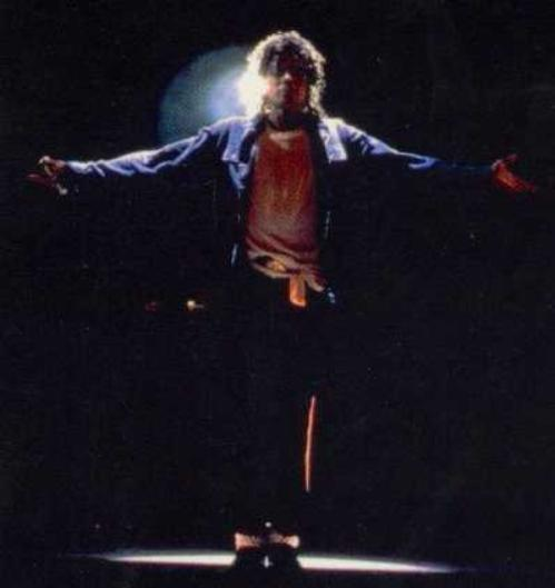 Bad World Tour Onstage- The Way You Make Me Feel 03228