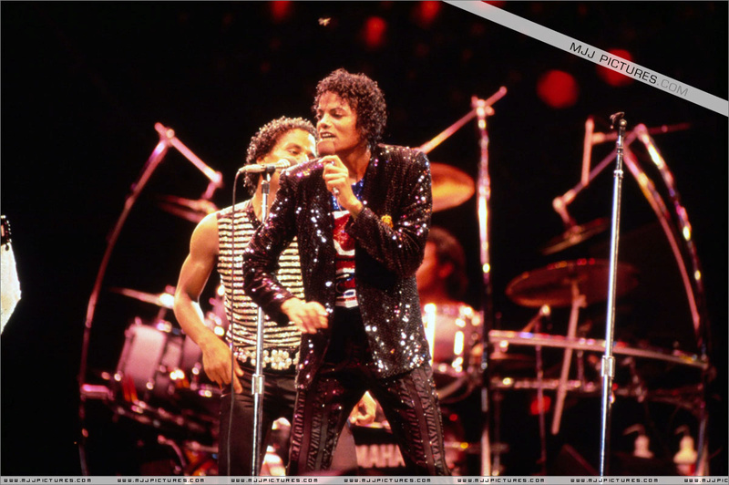 Victory Tour 03319