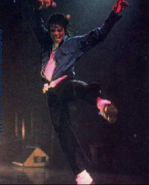 Bad World Tour Onstage- The Way You Make Me Feel 03328
